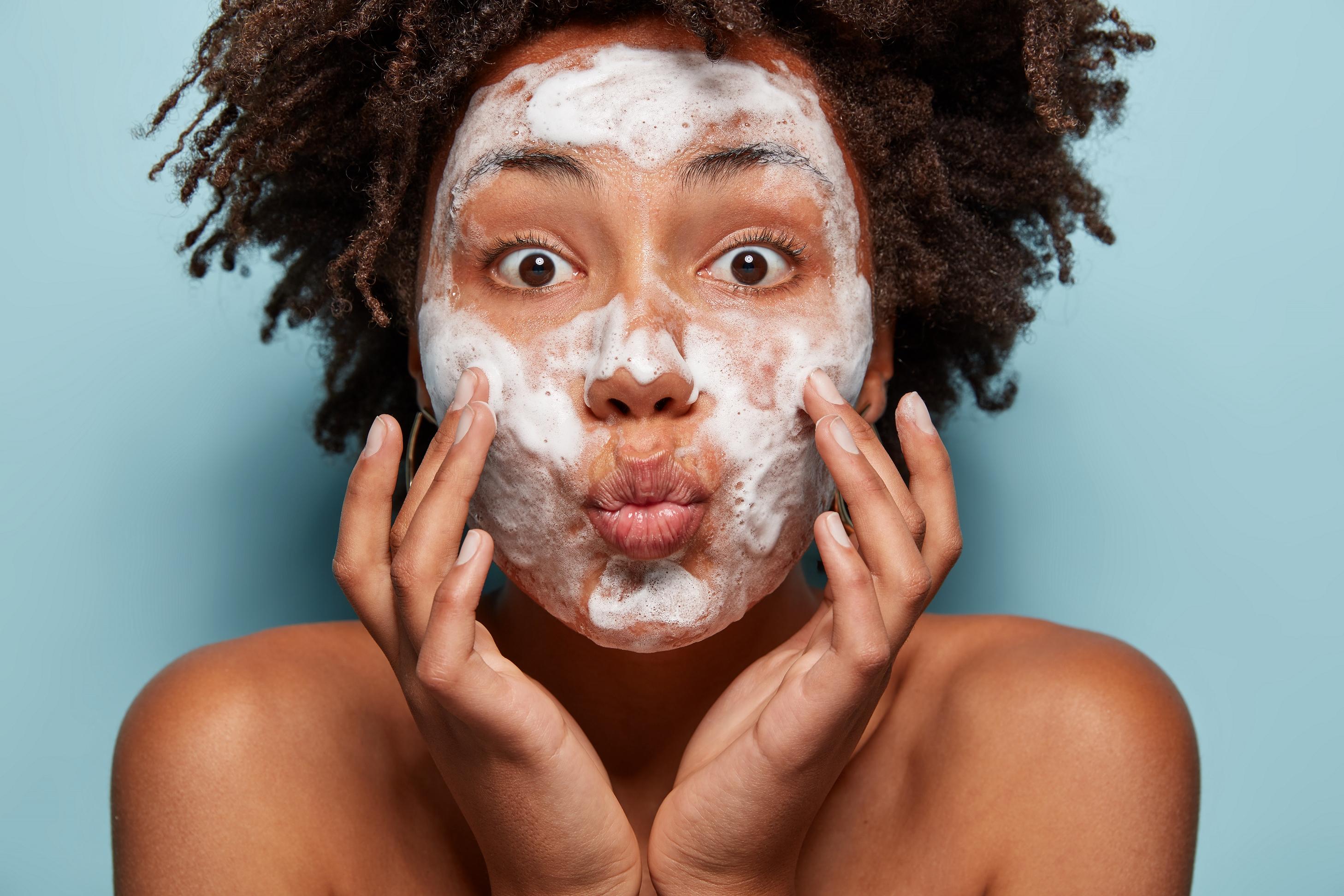 Mito ou verdade: posso realizar procedimentos faciais no verão?