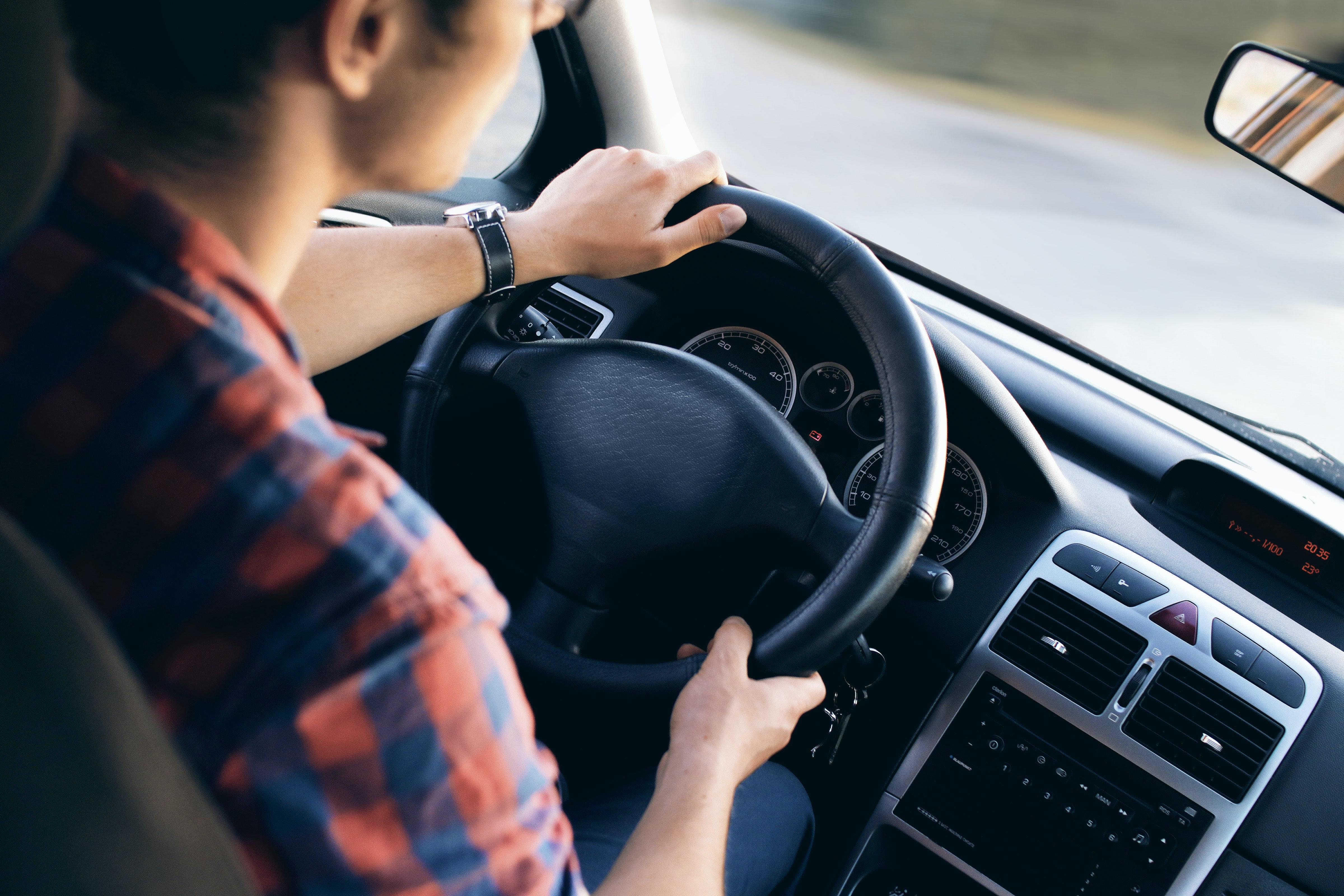 Novos tipos de contratação de seguro de carro ajudam no bolso e no comportamento do motorista